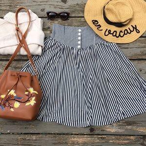 Vintage}• high waisted striped midi skirt